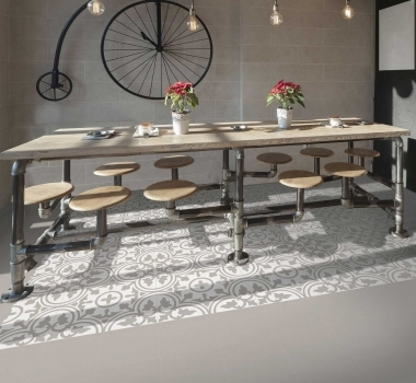 Gresie-bej-cu-model-stil-covor-Keros-Barcelona