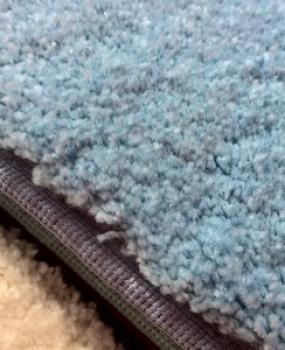 Mocheta albastra pufoasa si satinata pentru dormitor gama SATIN