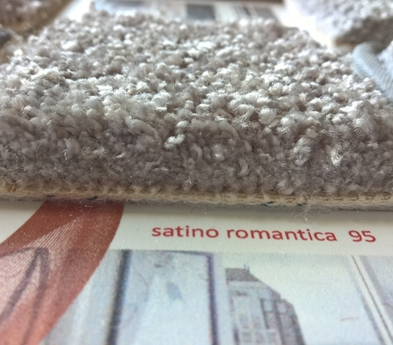 Mocheta-pufoasa-gri-gama-SATINO-ROMANTICA