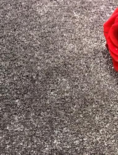 Mocheta pufoasa gri pentru dormitor gama SENSATION