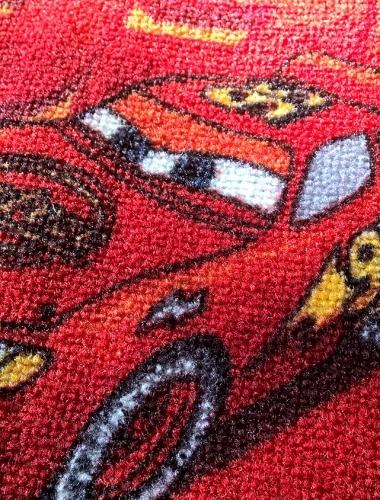 CARS - Mocheta cu masinute pentru copii gama DISNEY