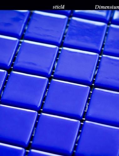 Mozaic albastru din sticla Simple Blue dimensiune placa 13,5 x 13,5 cm