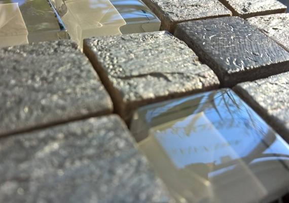 Mozaic-argintiu-din-marmura-si-sticla-JUNIOR-SILVER-2