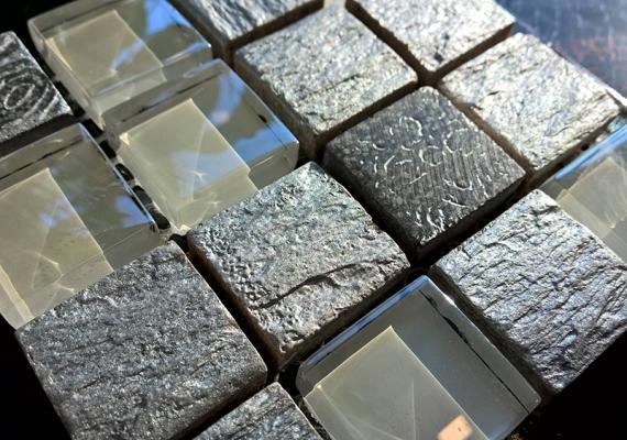 Mozaic-argintiu-din-marmura-si-sticla-JUNIOR-SILVER