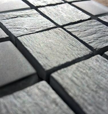 Mozaic-din-marmura-neagra-bruta-BOLZANO-NERO-1
