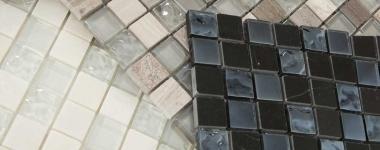 Mozaic-din-sticla-si-piatra-pentru-amenajare-bucatarie