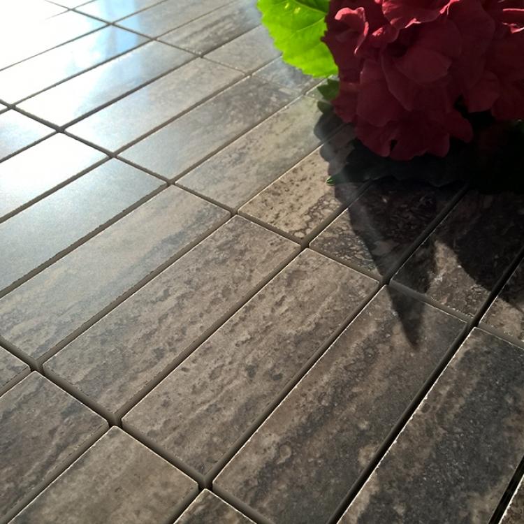 mozaic-ieftin-clasa-trafic-pei5-traces-polished-charcoal-productie-italia