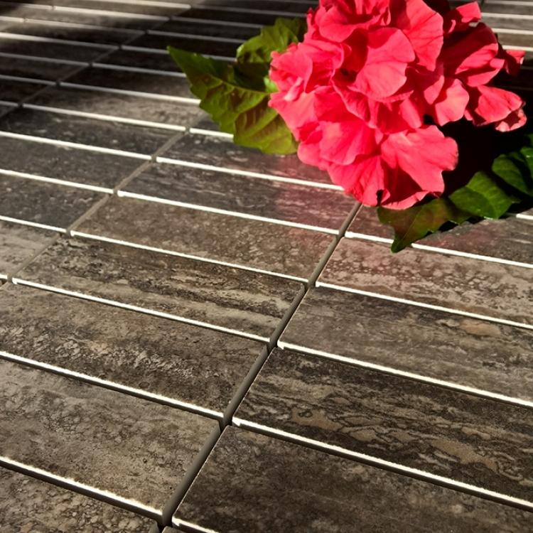 mozaic-ieftin-lucios-pentru-trafic-intens-traces-polished-charcoal-productie-italia