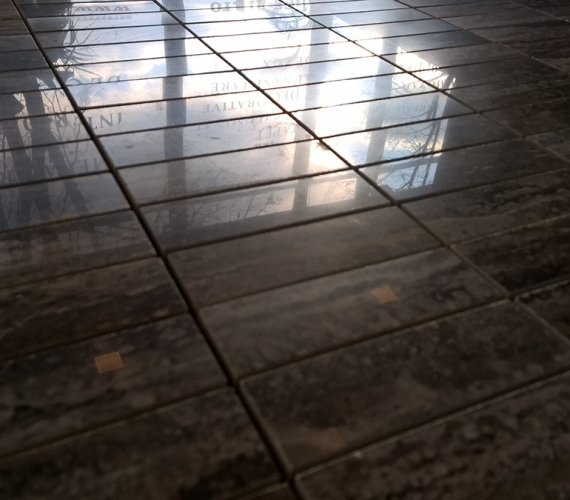 mozaic-lucios-din-ceramica-portelanata-traces-polished-charcoal-productie-italia