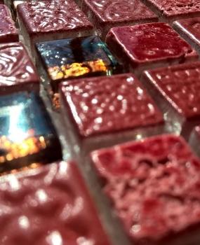 mozaic-rosu-din-marmura-si-sticla-productie-keros