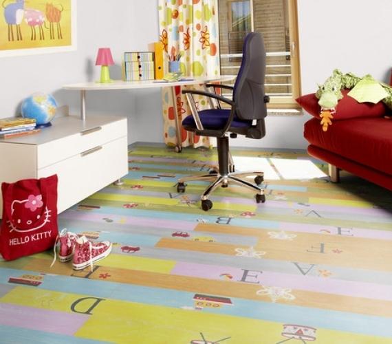 PLAYGROUND - Parchet laminat colorat pentru copii 8 mm clasa 32 / AC4 productie KAINDL