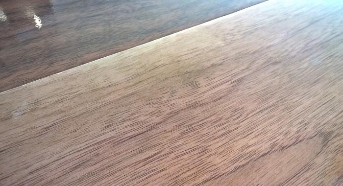 NOCE VIVA - Parchet laminat lucios 8 mm clasa trafic 32 / AC4 KAINDL