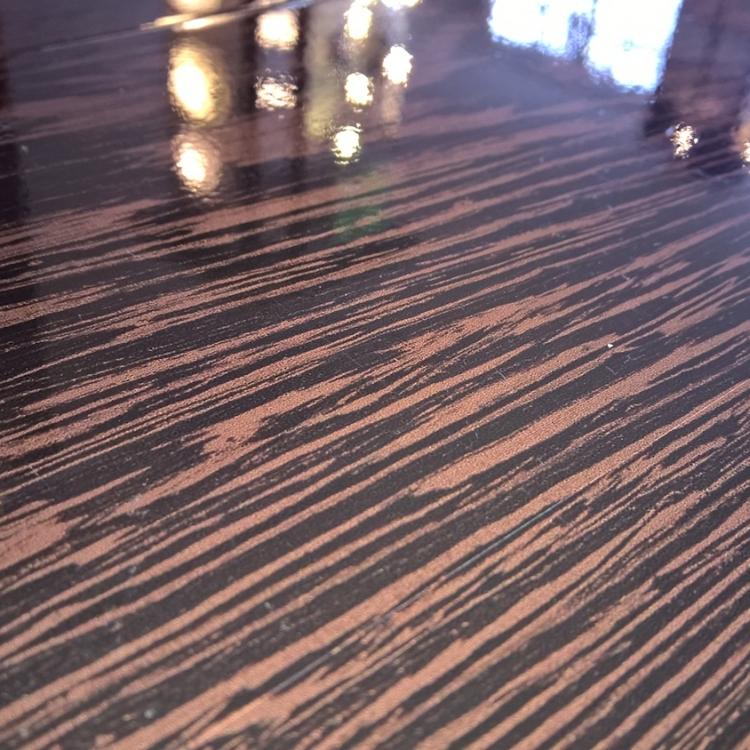 WENGE GOLD - Parchet laminat lucios 8 mm clasa 32