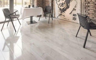 Parchet laminat lucios gama Easy Touch