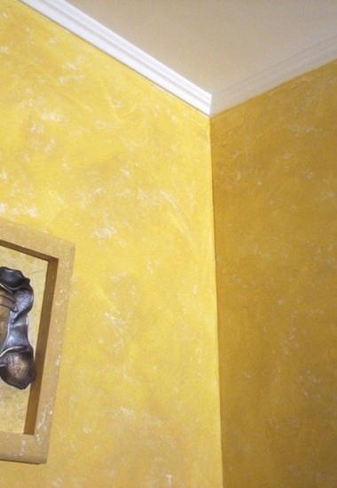 Tencuiala-decorativa-galben-cu-alb-San-Marco-Decori-Classici