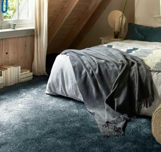 Mocheta pufoasa pentru dormitor Shakila