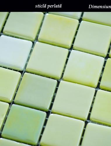 mozaic din sticla perlata verde lux 31,5 x 31,5 cm pe placa
