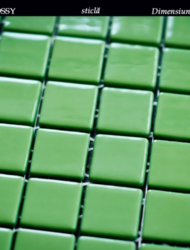 mozaic verde lucios din sticla dimensiune placa 31,5 x 31,5 cm